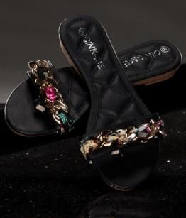 Kaunistustega sandaalid/plätud