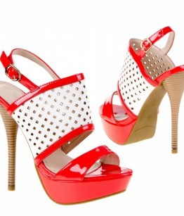 Punase valgega kingad